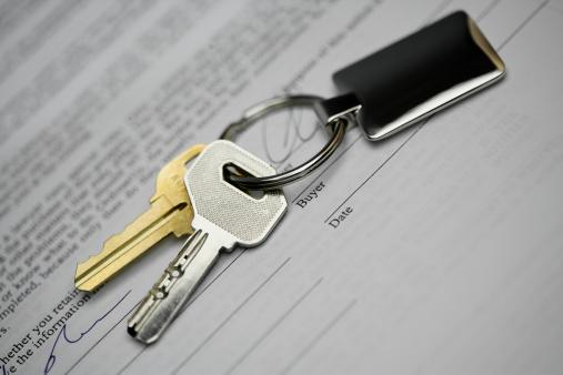 uuden asunnon avaimet